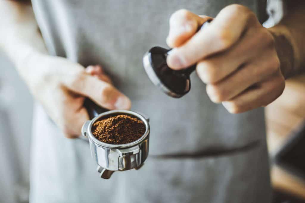 S pákovým kávovarem máte přípravu pod kontrolou